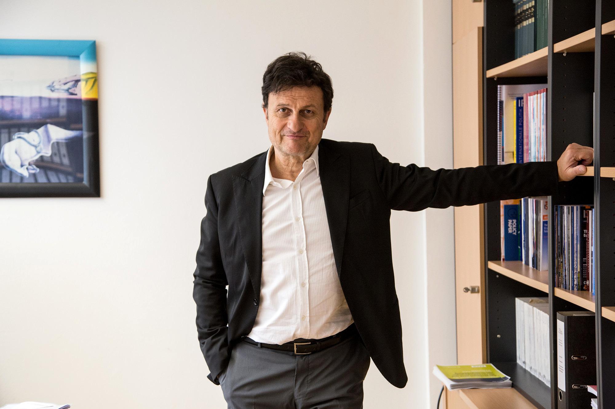 Prof. Dr. Stefan Fröhlich