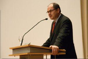 Festredner 2010: Christian Schmidt, MdB, Parlamentarischer Staatssekretär beim Bundesminister für Verteidigung. Bild: Mathias Lange